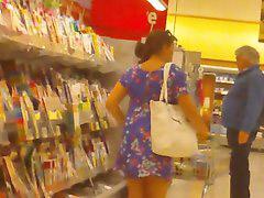 Levanta faldas, Faldas, En la tiendas, Con falda, Tienda, Faldita