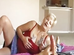 Masturbazione matura, Bionda matura, Mature asiatiche, Capelli biondi, Capelli corti