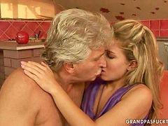 Vieja con jovencitos, Ñiña con viejo, Viejo con ñiña, Sexo con viejos, Sexo con amor, Disfrutando del sexo
