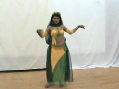 Meninas baile sexi, Dançando