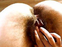 Ужасная пизда, Мастурбация волосатых пизд, Показывает свою пизду, Показывает волосатую пизду, Показывает ножки, Показала писю