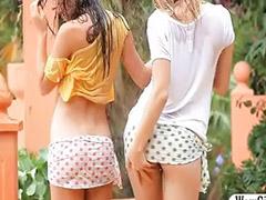 Dwie blondynki, Nastolatki lesby