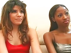 Lesbiana masturbada, Lesbicas interracial, Masturbacion lesbianas
