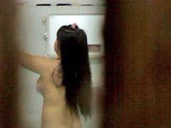 تستحم, لز حمام, عراقيه تستحم, تستحم, حمام, بالحمام, تستحم اختى, حمام