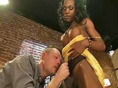 Indah anal sex, Wanita cantik