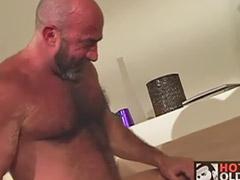 Dojrzałe analnie, Dojrzały anal