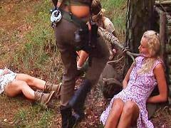 The slave huntress, Huntress, Hunt, Slave
