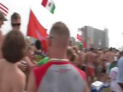 Festa praia, Festa na praia