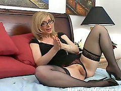 Cougar, Nina hartley, Cougar handjob, Nina, Nina hart, To love