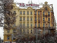 Voyeur, Hotel