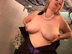 Mature herself, Horny mature amateur, Knows how to, Granny horny, Big this, Matures horny