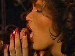 Peludas gozando, Peludas gozadas, Porno mamas, Mamas peludas, Filmes peludas, Filme retro porno