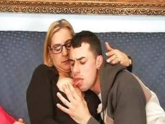 Pończochy anal, Stary lize mloda, Młoda, okulary, Dojrzałe analnie, Dojrzala młody anal sex, Dojrzala mlodym