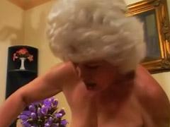Zralé babičky, Sex babiček, Babička čůrá, Babička čurání, Babička, Čurání