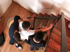 Escaleras, Follar en grupo, En escaleras