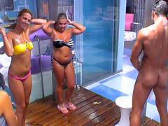 Shower, Shower,, Portugês, Portuge, Showering, Showere