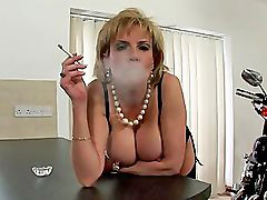 Dama, Lady voy, Fumar fumando, Chaval, Señoras, Señoras