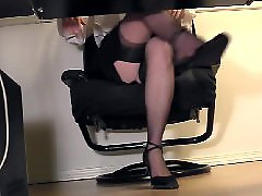Voyeur masturbating, Voyeur masturbate, Under desk masturbation, Under desk cam, Secretary stocking, Secretary cam