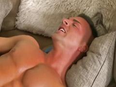 Musculoso masturbandose, Dese sex, Mirei