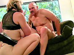 Saage tits