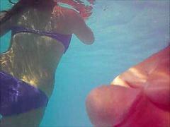 Flashing, Underwater
