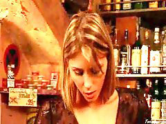 In bar, Bar, Gina, Nakes, Nakedü, Gina h