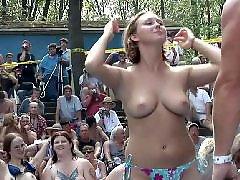 Public, Nudist