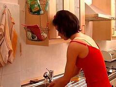 Milf, Kitchen