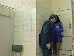 厕 中, 公厕, L廁所, I厕所, 如廁