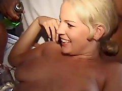 Punjenje picke, Sex i igracke