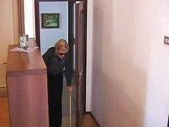 Ебёт бабушку, Італьянскі