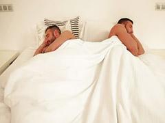 Uykuda sikiyor t, Uykuda siken t, Uykuda siken, Uyku uyurken sex, Uyku uyurken anal, Uyuyarak sex