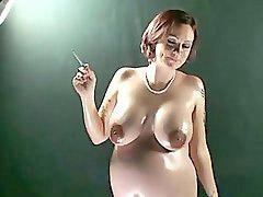 H怀孕, B吸烟, 懐妊, 懷妊抽煙, 孕孕孕, 大肚子孕