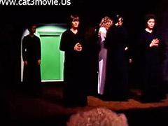 اخضر, {باب, خلف الباب, باب, من الباب