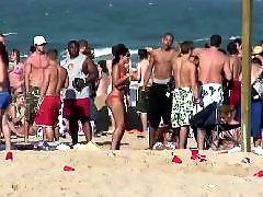 Praia criancinhas, Na praia