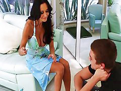 Ava addams, Friends mom