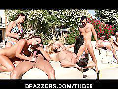 Azz, Party pool, Party show, Pool-party, Show live, Next
