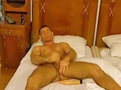 Hotel, Gay