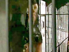 من ورا, بعص, مسجون