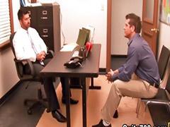 في يو سكس, فى المكتب ساخن, فى المكتب حار, فى المكتب, ضباط مثلي الجنس, شواذ ضباط