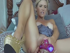 Mommy, Mom, S mom, Mom cums, Cumming, Lovely
