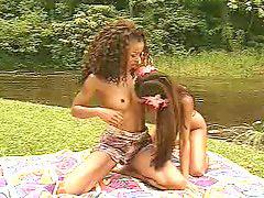 Outdoor, Lesbians, Lesbian