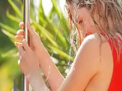 Tempat cewek mandi, Striptis babe, Cewe onani mandi, Cewe yang menggoda, Cewek menggoda, Onani,di luar rumah