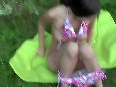 Tizen éves csajok szopnak, Utcai szopás