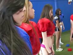 Футбол и, Лизать у девочки, Играют в лесбиянок, Девченки голые, Девочка и лесбиянка, Вылизал девушке