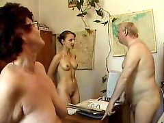 Nudist, Office