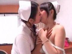 ممه مالیدن, ممه پرستار, مالیدن ممه, مالیدن خردسال, بوسیدن ممه