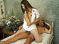 แอบพยาบาล, นางพยาบาล, พยาบาล
