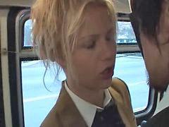 Rubias en el bus, Asiaticas en el bus, Rubia mamando, En el bus