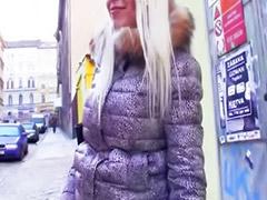 Público, Chavitas amateur, Checo